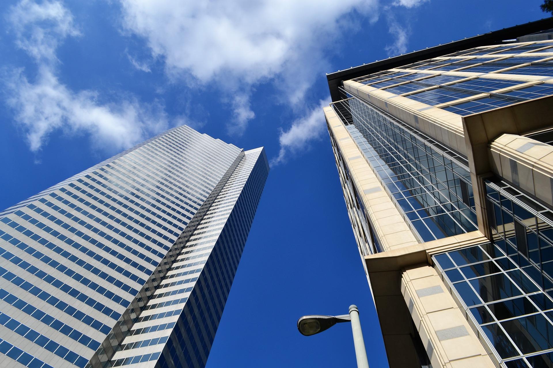 skyscraper-3196390_1920